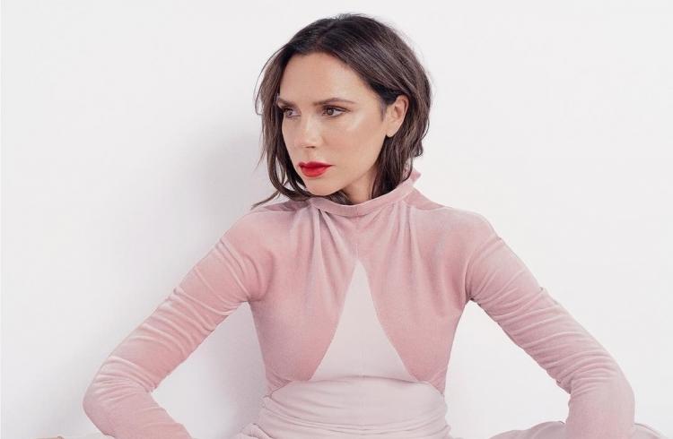 5 антивозрастных лайфхаков, которыми пользуется Виктория Бекхэм — FW-Daily.  Женский журнал о моде, стиле, брендах