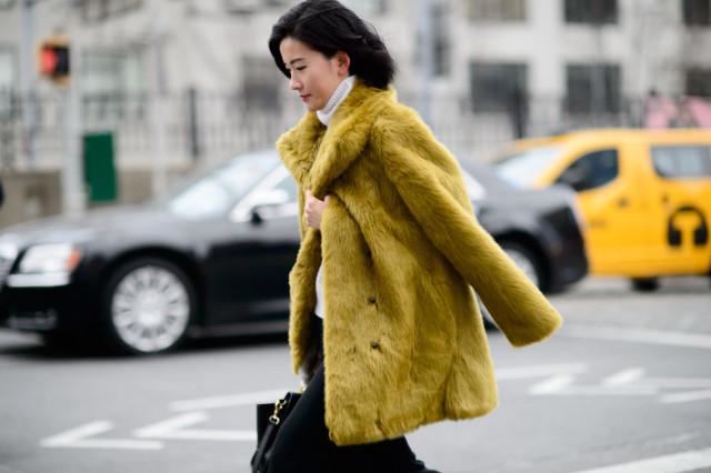 colored-fur-coat-turtleneck-nyfw-street-style-elle-640x426